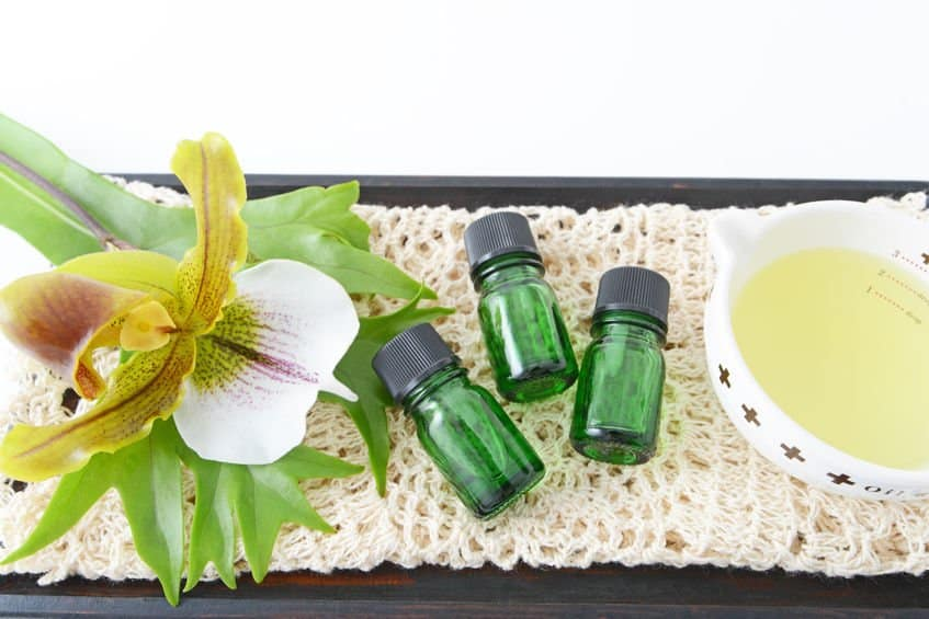 what are the dangers of using tea tree oil during