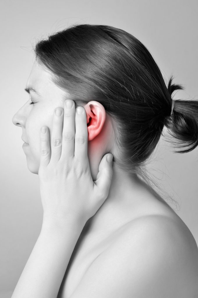Earaches and Ear Infections: A Guide to the Essential Oils, Recipes and Home Remedies That Soothe Sore Ears Essential Oil Benefits