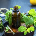 How To Use Essential Oils To Get Rid Of Poison Ivy: 7 Essential Oils & Recipes and 5 Home Remedies