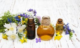 Is Your Head All Achy-Breaky Along With The Rest Of Your Face? Try Essential Oils For Sinus Headache!