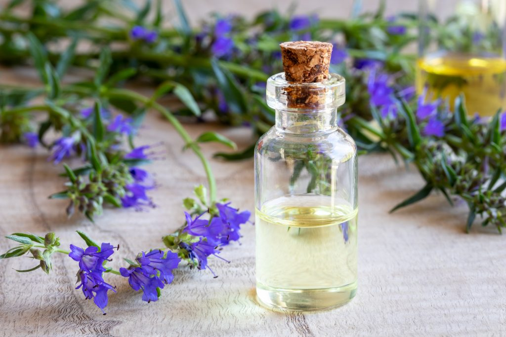 List Of 60 Essential Oils, Their Benefits And Uses (PDF Printable Guide) Essential Oil Benefits